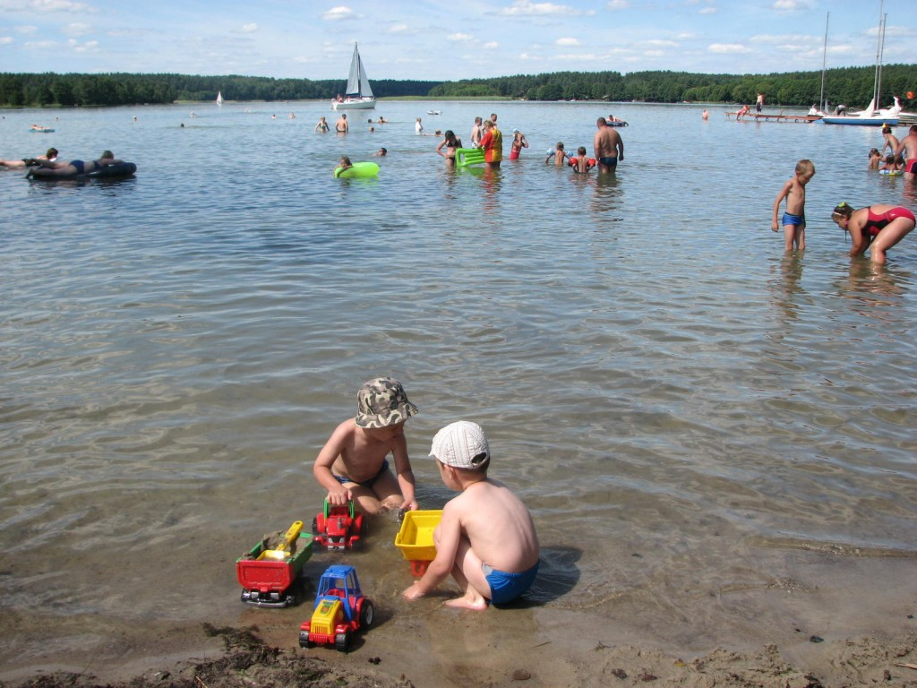 Plautzig- Dorfstrand, Jezioro Pluszne